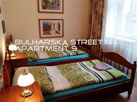 Apartment 9 ROOM2