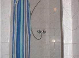 Chatka sprcha