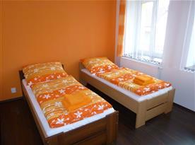 Oranžový pokoj č. 1