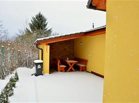 Cyklopenzion u Bohouše - venkovni posezení v zimě
