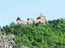 Královský hrad Točník, 20 km