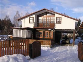 Celkový pohled na zimní chatu