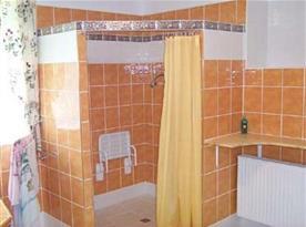 Koupelna se sprchovým koutem - bezbariérový přístup