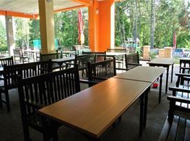 Restaurace přímo v areálu