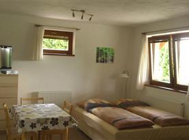 Pokoj - pohled z ložnice