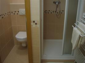 Koupelna s WC (elektricky vyhřívaná podlaha)