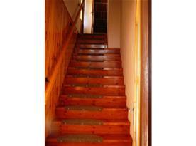 Dřevěné schodiště do patra