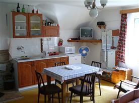 Plně vybavená kuchyně v prvním patře