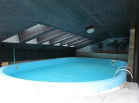 Detailnější pohled na bazén