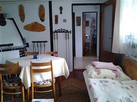 Apartmán A - pohled z pokoje na kuchyňku