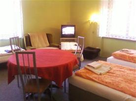 Rohový pokoj - obývací ložnice 3 + 1