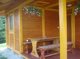 Šestilůžková chata - venkovní posezení