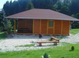 Šestilůžková chata - celkový pohled