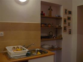 kuchyň - umývací část