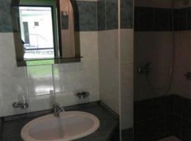 Pokoj STANDARD*** - koupelna se sprchovým koutem
