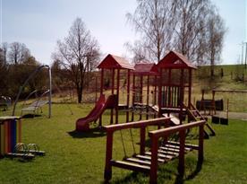 Obecní dětské hřiště
