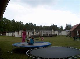 Dětské hřiště s trampolínou