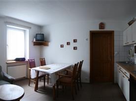 Velký apartmán - obývací pokoj s kuchyní