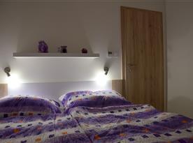 Apartmán Laura - pokoj (velká manželská postel)