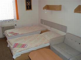Dvoulůžkový pokoj s rozkládacím gaučem - přistýlka
