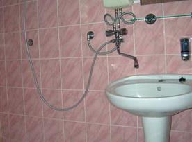Příslušenství náleží ke každé jednotce - WC a sprchový kout