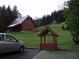 Parkování nedaleko chalupy
