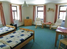 Vybavený pokoj v penzionu Hrad