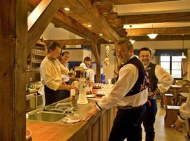 Muzikanti v mlynářské restauraci