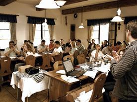 Firemní akce ve stylovém prostředí restaurace