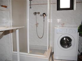 Chata Lucie - sprcha v přízemí