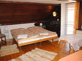 Chata Lucie - druhý pokoj v prvním patře