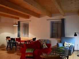 1. NP - obytná kuchyň s pohodlným posazením
