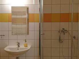 1. NP - koupelna s toaletou a bidetem - Apartmán HOME