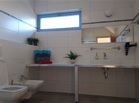 2. NP - Apartmán SUNRISE - koupelna - sprchový kout, WC + bidet