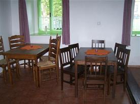 Společenská místnost sloužící jako jídelna