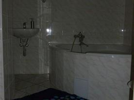 koupelna apartmán č.2