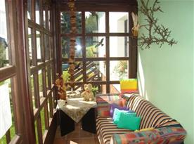 Veranda s posezením a pěkným výhledem