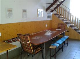 Společenská místnost s posezením
