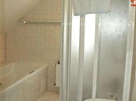 Koupelna pouze sprchovým koutem