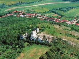 Klentnice je jedním z výchozích bodů pro turistiku po Pálavských vrších