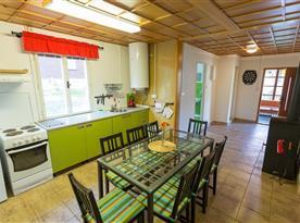 Apartmán B - kuchyň s jídelnou