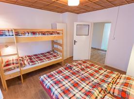 Apartmán B - 1. ložnice
