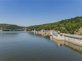 Hráz Vranovské přehrdy