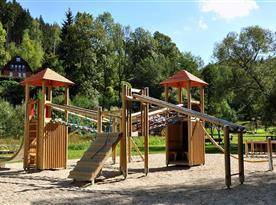 Hrad na dětském hřišti