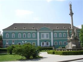 Možnost navštívit zámek Dačice