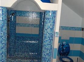 Apartmán ŘECKO - koupelna se sprchovým koutem