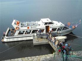 Výletní loď na přehradní nádrži Vranov