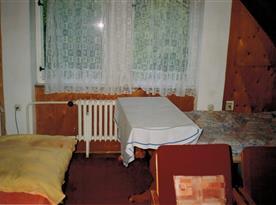 Ložnice na pravé straně podkroví
