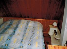 Ložnice na levé straně podkroví