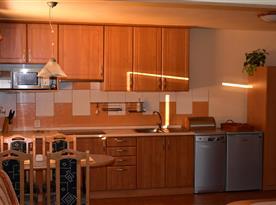 Pohled na kuchyň.